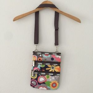 Leaportsac Floral Multi pocket Crossbody bag purse